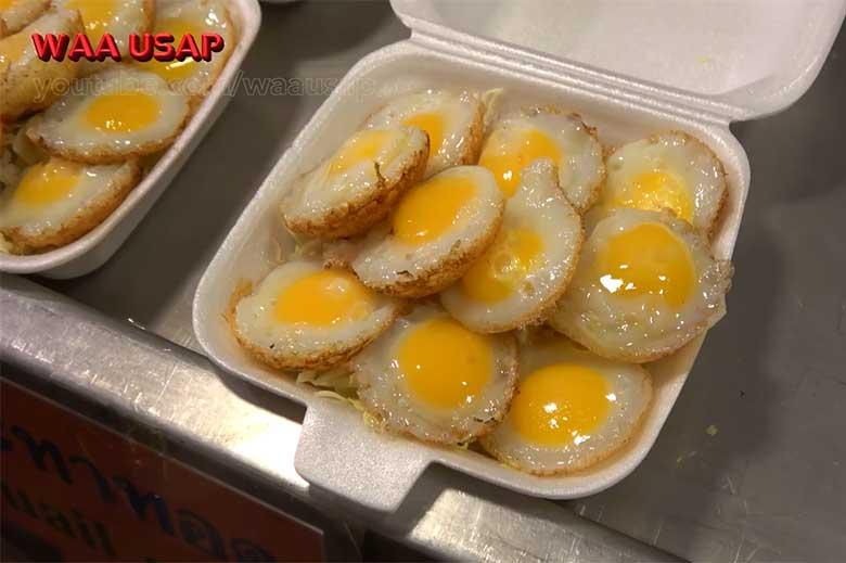 Жареные перепелиные яйца
